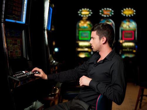hazard hraci automaty_shutterstock