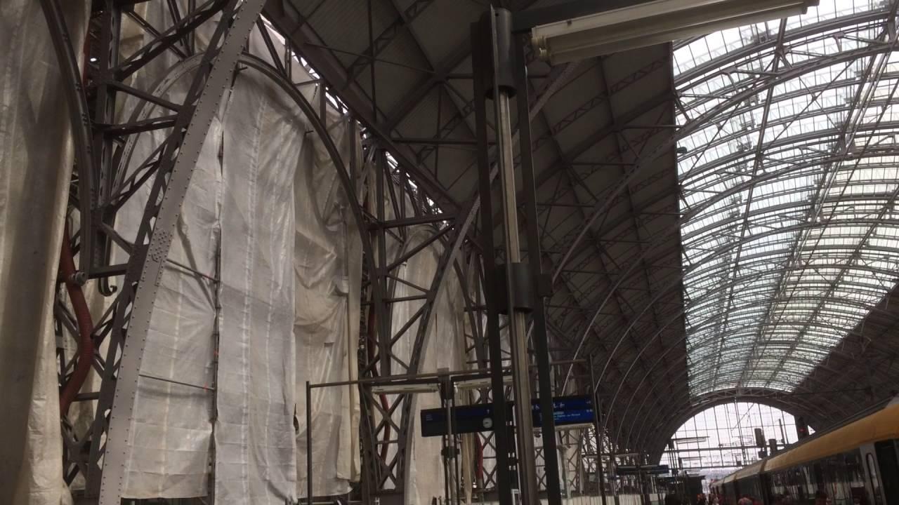 Na Hlavním nádraží v Praze probíhají nesnesitelně hlučné stavební práce