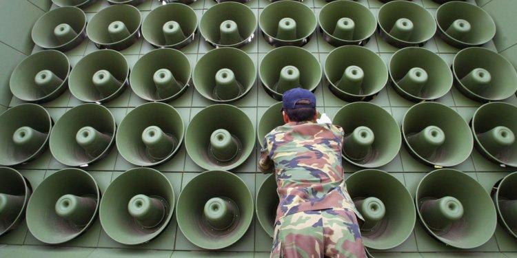 Sbližování pokračuje: Jižní Korea odstranila propagandistické ...