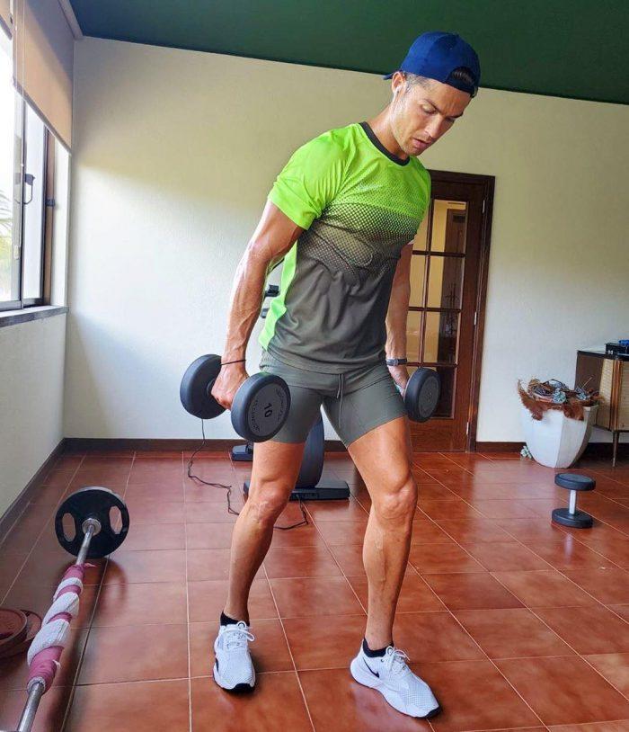 Ronaldo už pilně trénuje.
